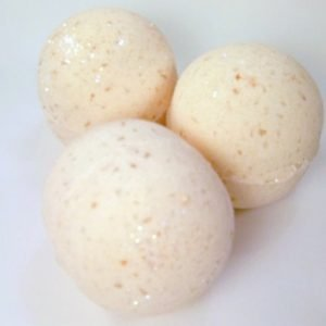 Peaches and Cream Bath Bomb